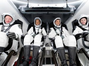 SpaceX Plans the First Full Day in Space
