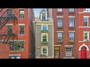 Boston's Skinny House is Sold for $1.2 Million